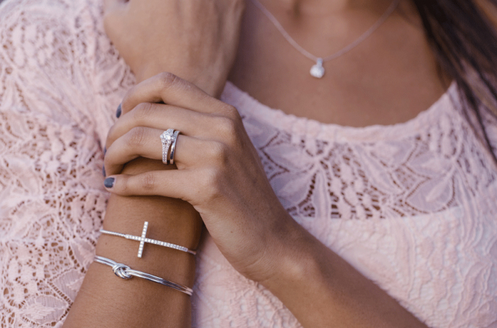 4 Jewelry Tips for you to Shine on 4th of July